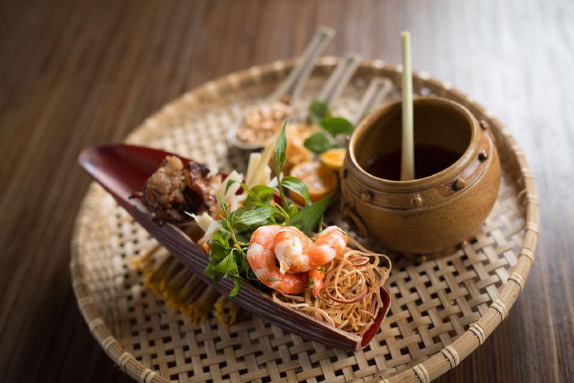 Cau go authentic vietnamese cuisine best view of hoan kiem lake - Authentic vietnamese cuisine ...